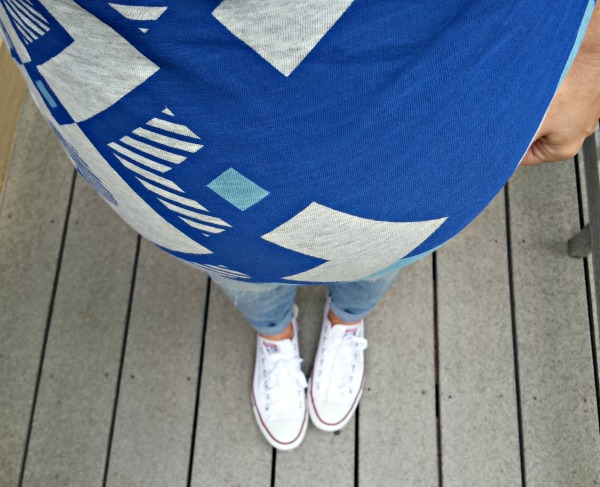 graphic tee and chucks