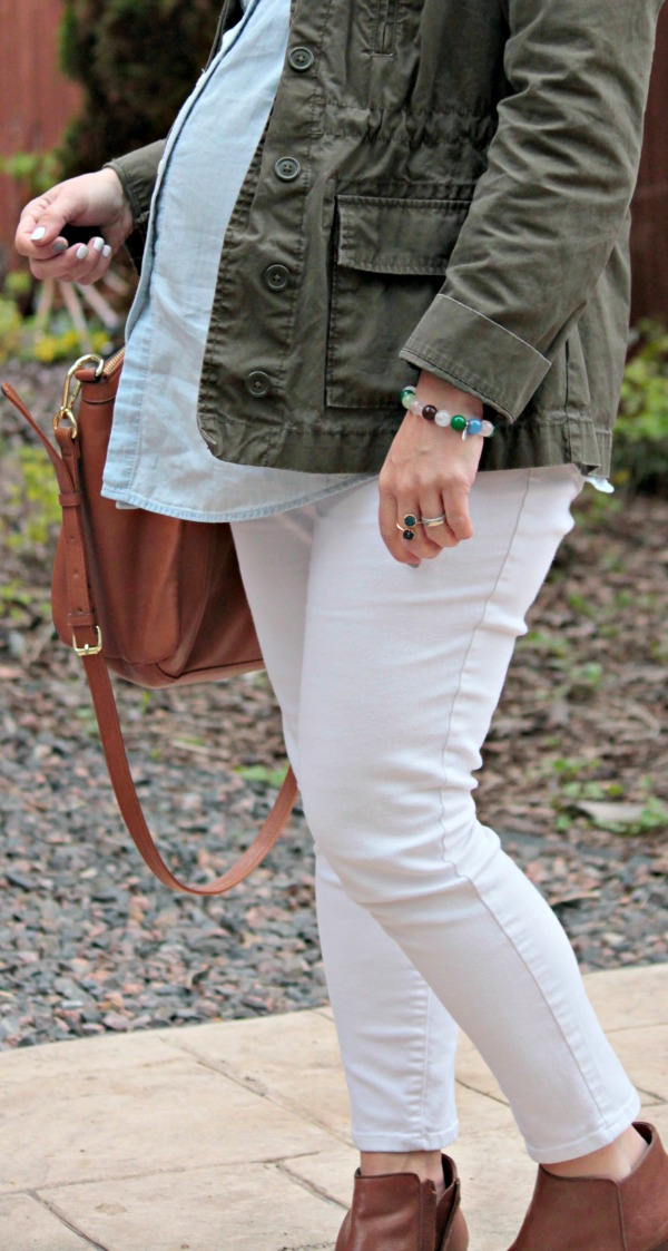 simple casual maternity style