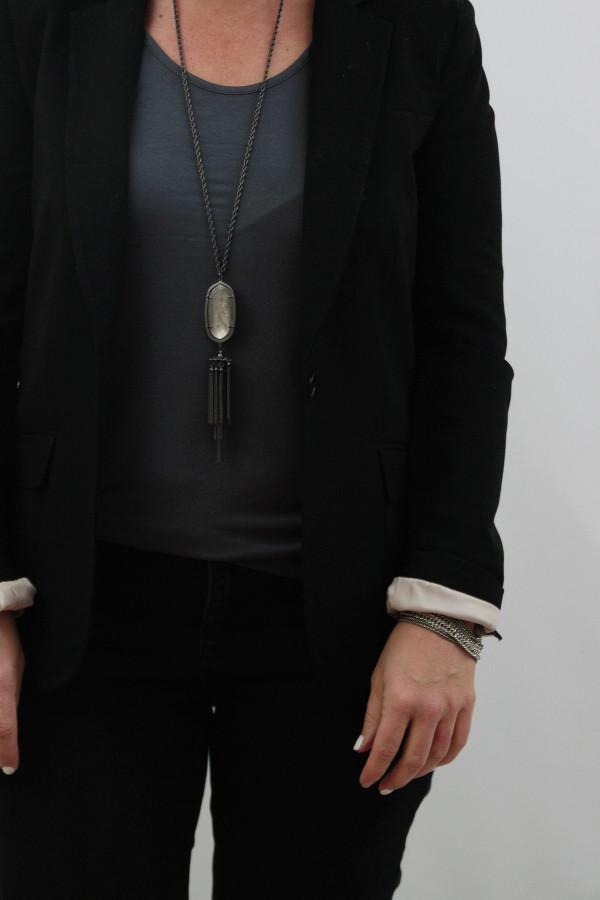 black blazer and black skinny jeans