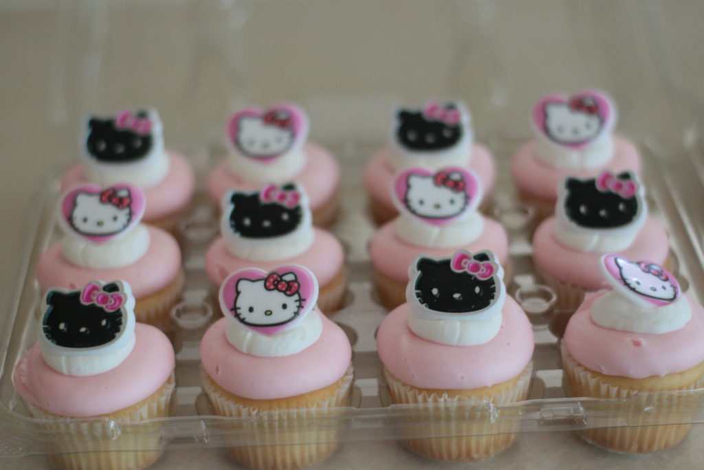 hello kitty grocery store cupcakes